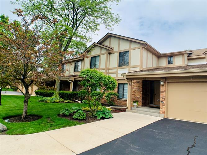 703 S Lake Shore Dr, Lake Geneva, WI 53147 - Image 1