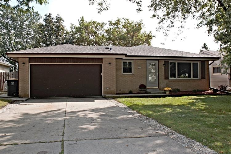 4740 N 118th St, Wauwatosa, WI 53225 - Image 1