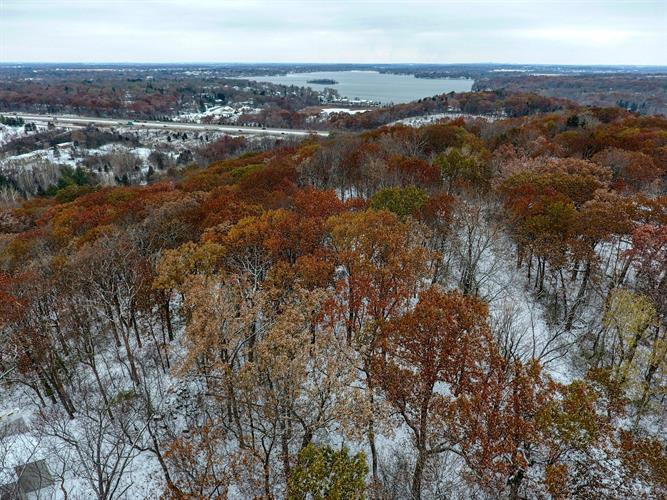 1835 Sunset View, Delafield, WI 53018 - Image 1
