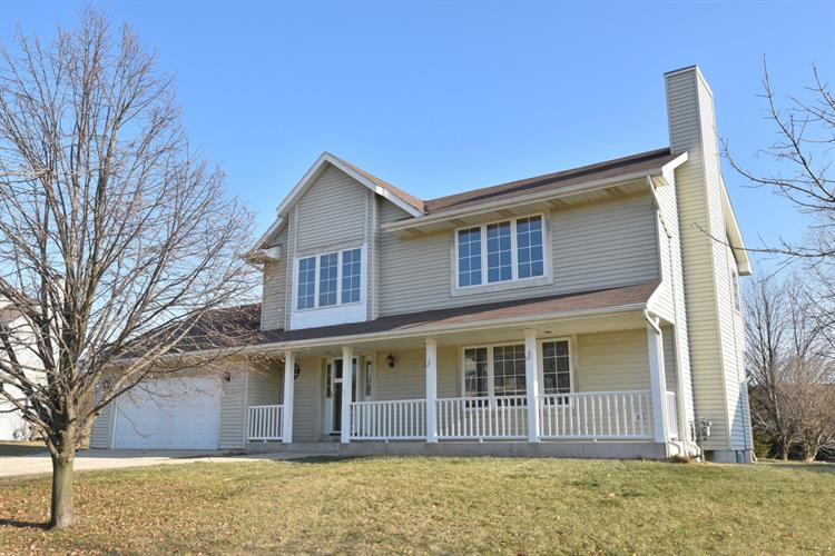 404 Hickory Dr, Fredonia, WI 53021 - Image 1
