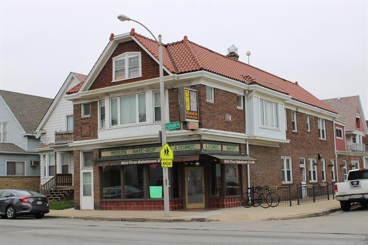2800 W Lincoln Ave, Milwaukee, WI 53215 - Image 1
