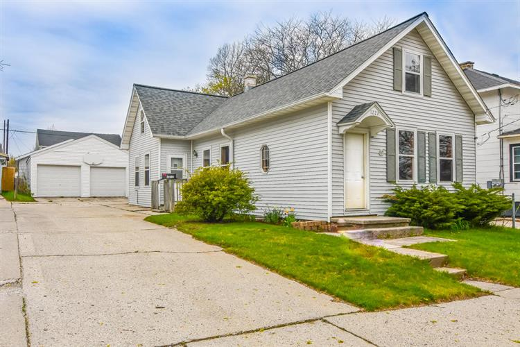 1222 S 17th St, Manitowoc, WI 54220 - Image 1
