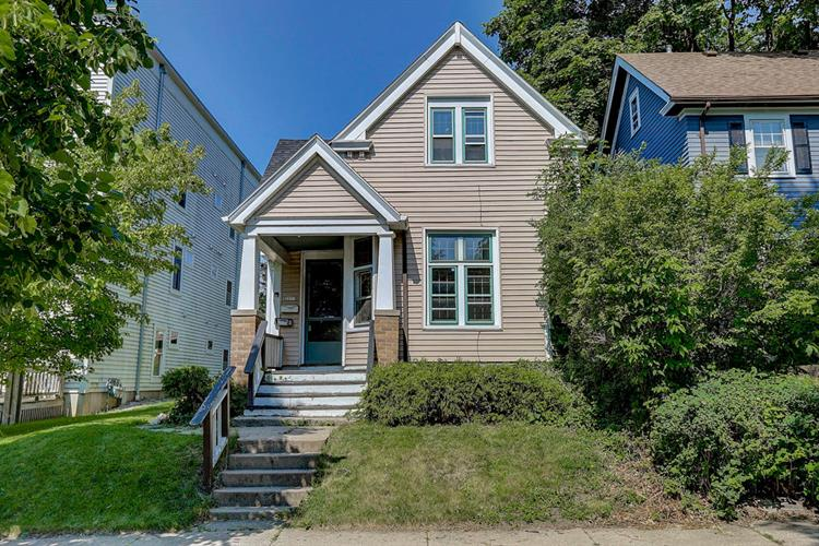2911 N Newhall St, Milwaukee, WI 53211 - Image 1