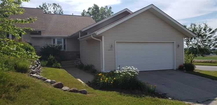 1025 Moore Ave, West Bend, WI 53090 - Image 1