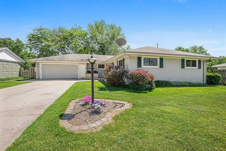 2727 33rd St, Two Rivers, WI 54241 - Image 1