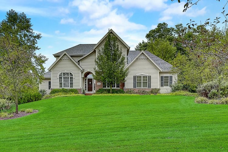 631 Stepping Stone Way, Pewaukee, WI 53072 - Image 1