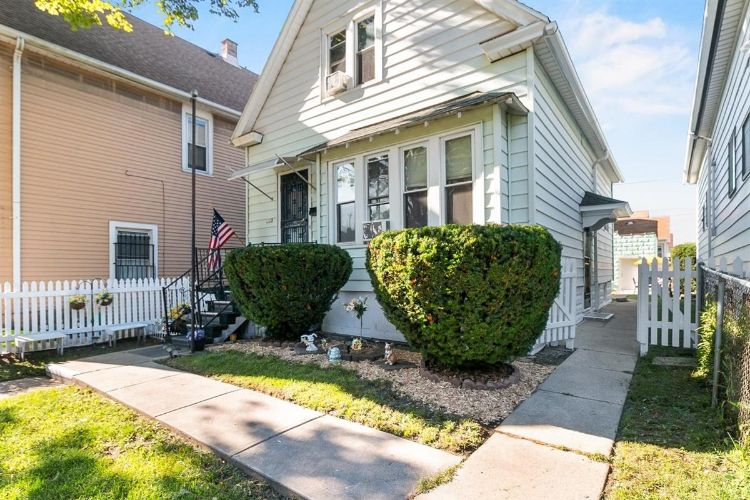 1722 W Becher St, Milwaukee, WI 53215 - Image 1