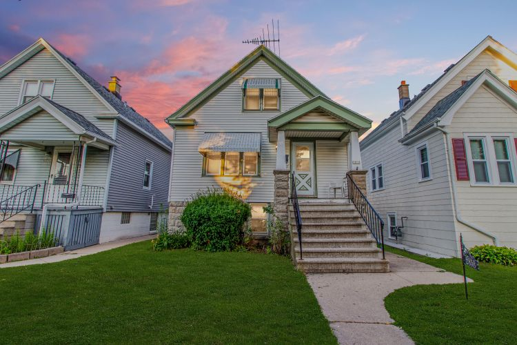2858 S 9th St, Milwaukee, WI 53215 - Image 1