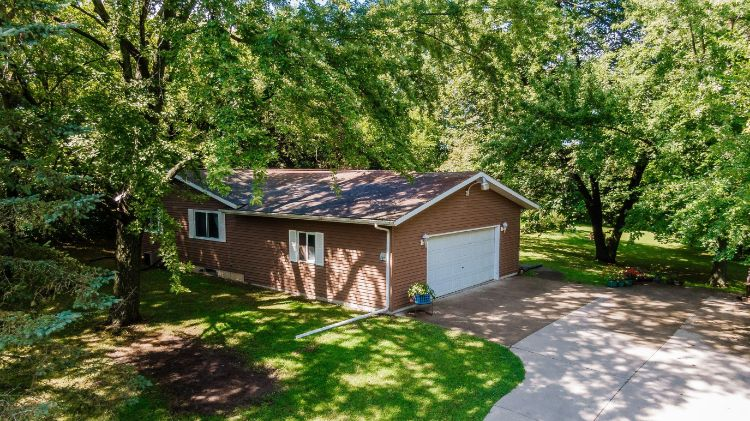 685 Green Bay Dr, Mayville, WI 53050 - Image 1