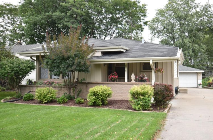 4716 N 118th St, Wauwatosa, WI 53225 - Image 1