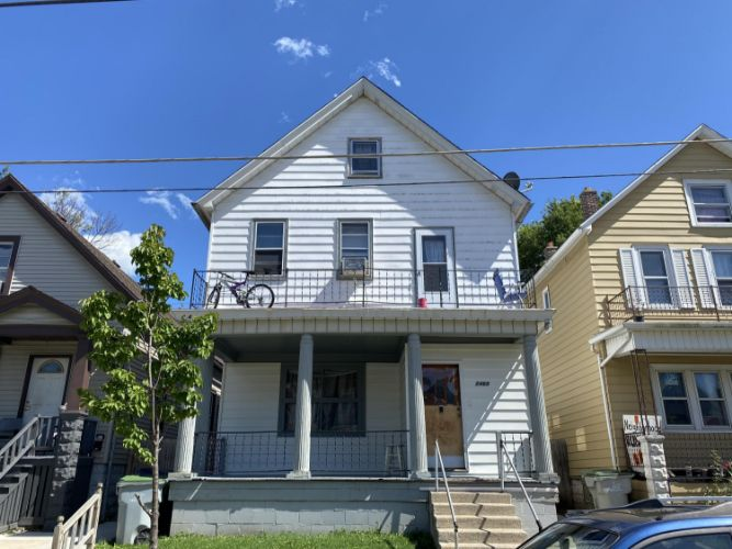 2468 S 6th St, Milwaukee, WI 53215 - Image 1