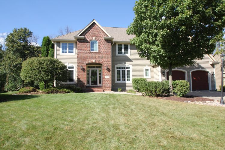 13750 W Linfield Dr, New Berlin, WI 53151 - Image 1