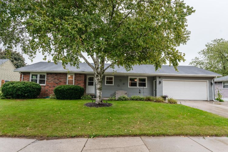 1736 17th Ave, Grafton, WI 53024 - Image 1