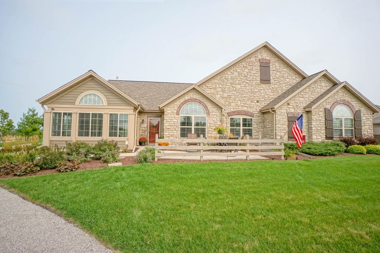 W250N5066 William Dr, Pewaukee, WI 53072 - Image 1