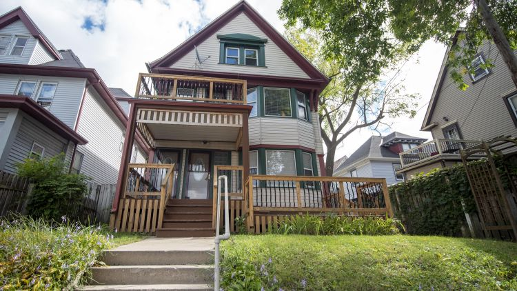 1112 N 22nd St, Milwaukee, WI 53233 - Image 1