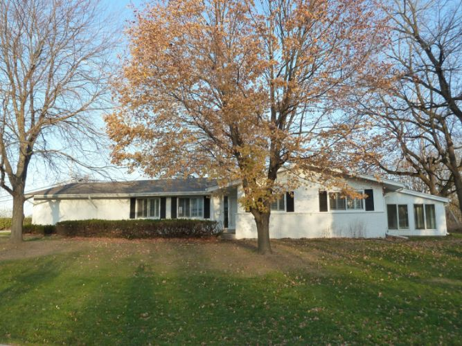 545 Lookout Dr, Pewaukee, WI 53072 - Image 1