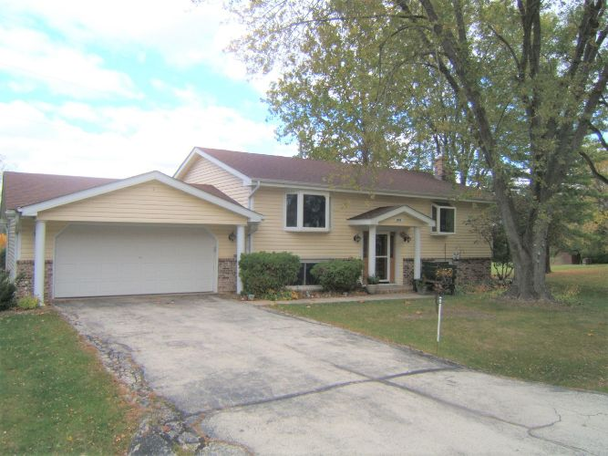 6044 Fayette Dr, Racine, WI 53402 - Image 1