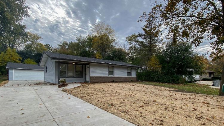 12023 W Lynx Ave, Milwaukee, WI 53225 - Image 1