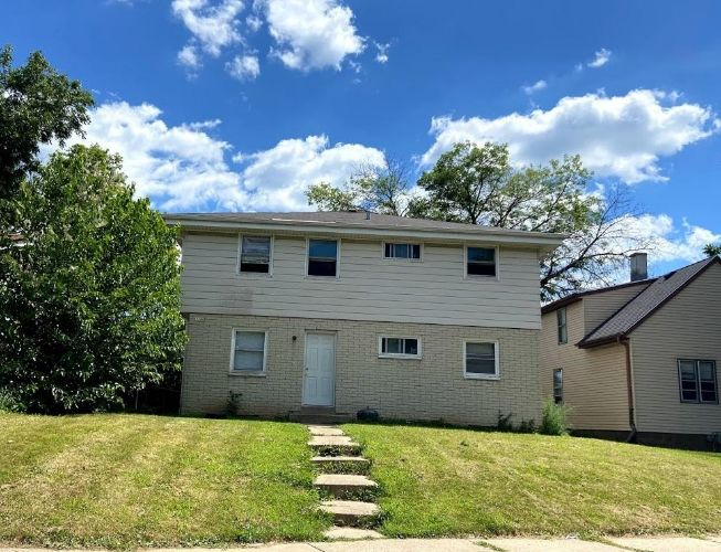 3240 N Julia St, Milwaukee, WI 53212 - Image 1