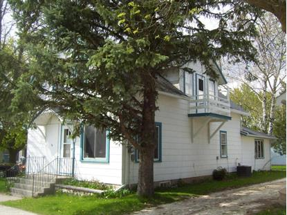 150 Lincoln St , Valders, WI