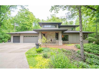 12226 N Madero DR , Mequon, WI