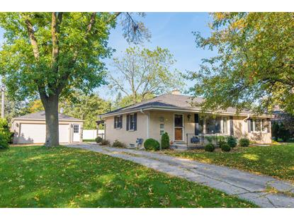 2137 Crestview Ct , Wauwatosa, WI