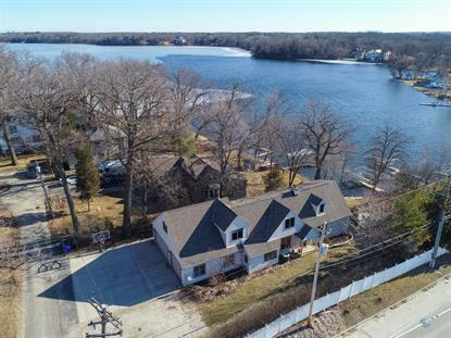 2102 N Peninsula Rd  Summit, WI MLS# 1628086