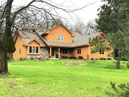 S39W33418 Hidden Valley Dr  Dousman, WI MLS# 1634231