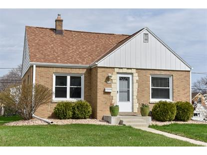 2748 E Crawford Ave  Saint Francis, WI MLS# 1639425
