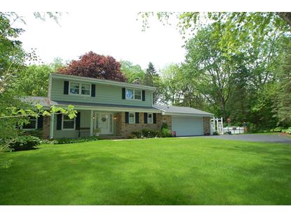 4475 S Hillview Ct  New Berlin, WI MLS# 1639706