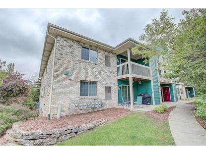 135 W Oak Leaf Dr  Oak Creek, WI MLS# 1640085