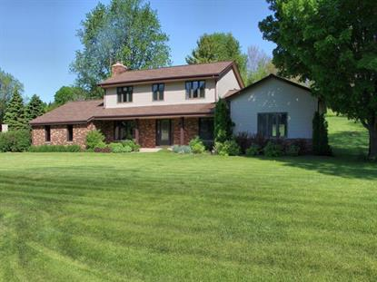 21600 W Hidden Valley Dr  New Berlin, WI MLS# 1640402