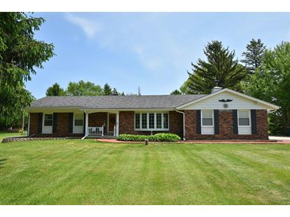 418 Vista View Dr  Cedarburg, WI MLS# 1640589