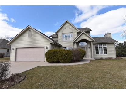 13520 W Foxwood Dr  New Berlin, WI MLS# 1640803