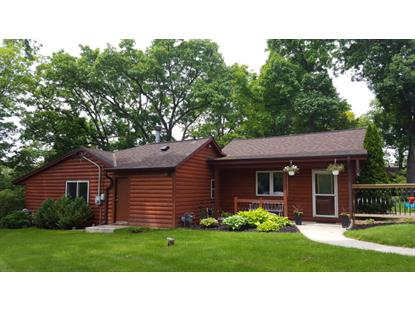 6225 S Linnie Lac PL  New Berlin, WI MLS# 1644279