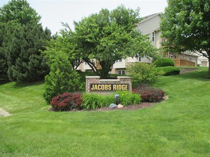 17949 W Jacobs Ridge  New Berlin, WI MLS# 1644307