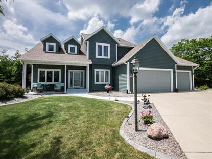 S94W12560 Cottontail CT  Muskego, WI MLS# 1647862