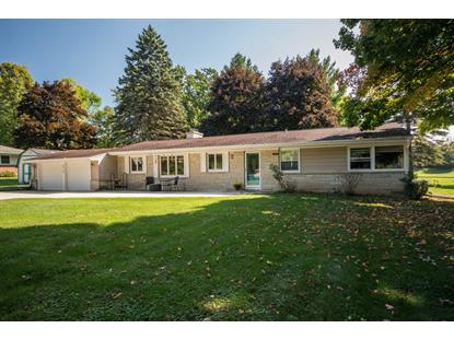 5319 W Sunnyside Dr  Mequon, WI MLS# 1659480
