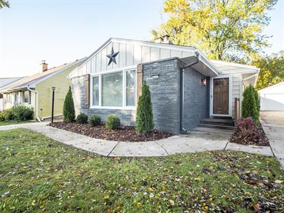 2527 N 113th St  Wauwatosa, WI MLS# 1665594