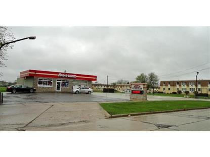 1900 22nd Ave  Kenosha, WI MLS# 1686625