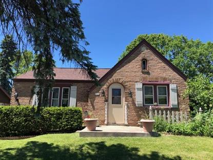 9822 W Grantosa Dr  Wauwatosa, WI MLS# 1693811