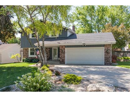 240 Oaklawn Ct  Pewaukee, WI MLS# 1694866