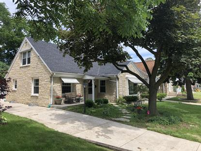 217 Glenview Ave  Wauwatosa, WI MLS# 1695278