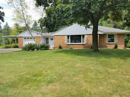 1517 S Clover Knoll PL  New Berlin, WI MLS# 1698146
