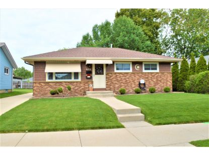 6711 S 18th St  Milwaukee, WI MLS# 1699390