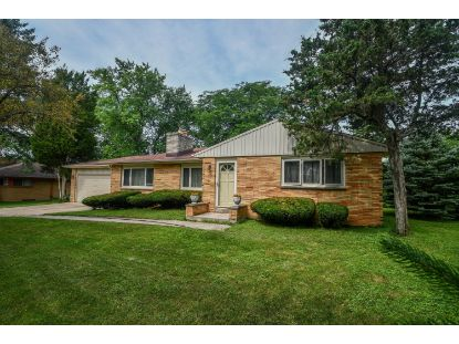 2637 S 124th St  New Berlin, WI MLS# 1699703