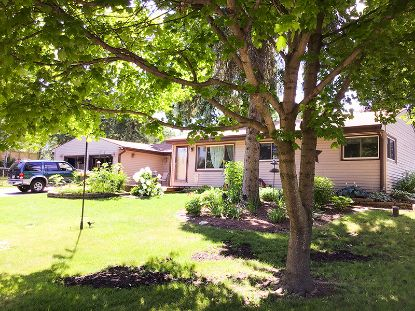 1407 S Arcadian Dr  New Berlin, WI MLS# 1699814