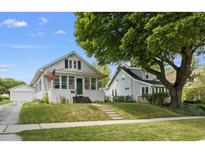 314 Hyde Park Ave  Waukesha, WI MLS# 1699997
