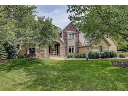 W245S6020 Red Wing Dr  Waukesha, WI MLS# 1700355