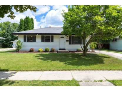 8900 W Daphne St  Milwaukee, WI MLS# 1700587